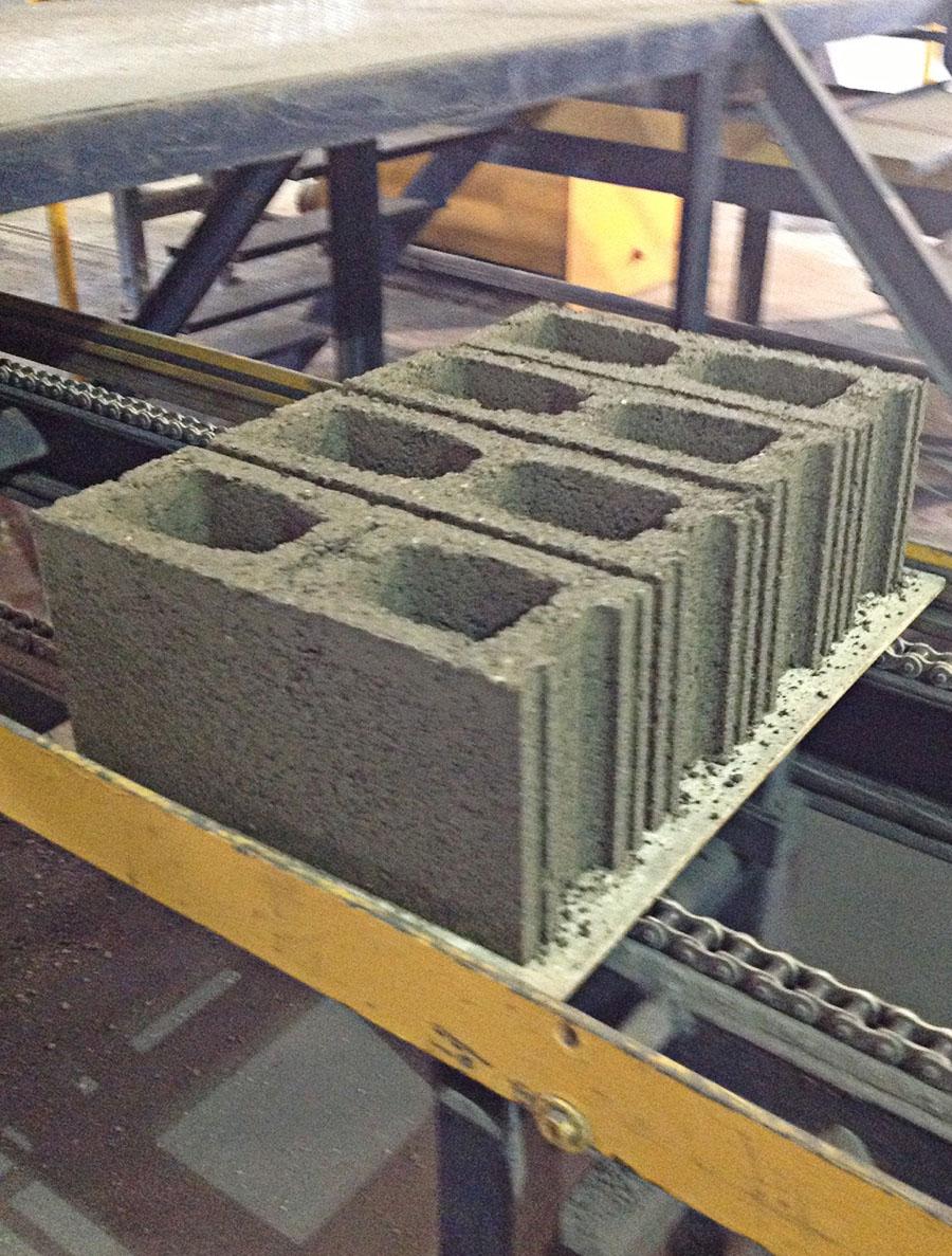 proponen fabricar bloques de hormign con plsticos reciclados