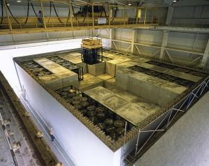 residuos nucleares en una celda de almacenamiento