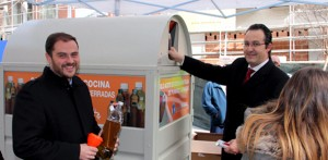 Leganés empieza a reciclar aceite doméstico usado