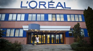 La planta de biomasa está anexa a la fábrica de L'Oréal