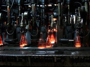 Fabricación de nuevas botellas de vidrio