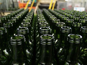Botellas de vidrio fabricadas a partir de vidrio reciclado