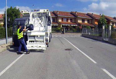 Innovador vehículo CF14 OLIVERO para la recogida de residuos urbanos puerta a puerta