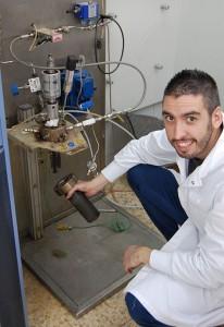un investigador de la UPV obtiene hidrógeno a partir de residuos electrónicos