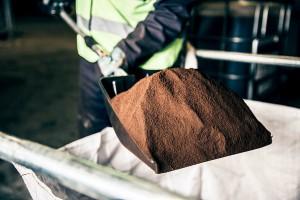 Los residuos de café de las seis principales estaciones de Londres se convertirán en biocombustible