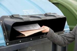 La recogida de papel y cartón para reciclar alcanzó en 2014 los 4,4 millones de toneladas