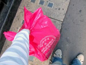 Los supermercados ingleses han comenzado a cobrar por las bolsas de plástico