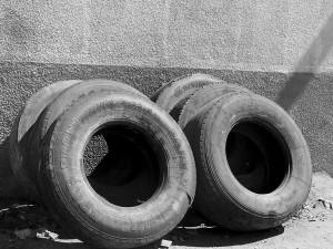 Signus ha adjudicado la recogida y clasificación de neumáticos fuera de uso por tres años
