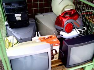 Cualquiera que venda aparatos electrónicos debe ofrecer la recogida gratuita del equipo sustituido