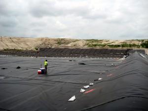 Varias CCAA reconocen la acreditación de ENAC para el control de calidad en la impermeabilización de vertederos