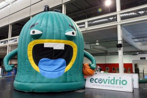 El acuerdo entre Ecovidrio y la ACB pretende fomentar el reciclaje de vidrio entre los aficionados al basket