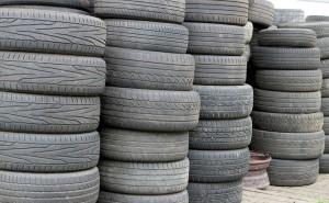 SIGNUS exigirá el número de registro industrial a los talleres para recoger los neumáticos usados gratuitamente