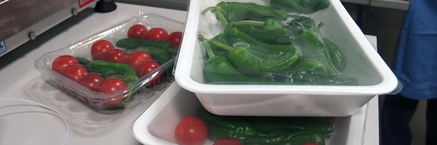 Investigan cómo mejorar las propiedades de los bioplásticos para envases alimentarios
