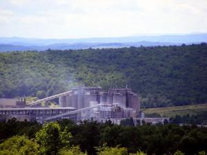 La industria cementera presenta el coprocesamiento de residuos como una vía para avanzar hacia la economía circular
