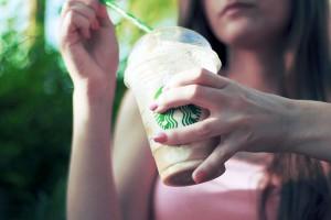 Aumenta la presión legislativa sobre los envases de un solo uso, más allá de las bolsas de plástico