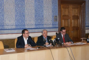 Firmantes acuerdo centro gestión residuos de La Garrotxa
