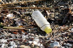 Un estudio asegura que falta información fiable sobre el impacto de los envases en el littering
