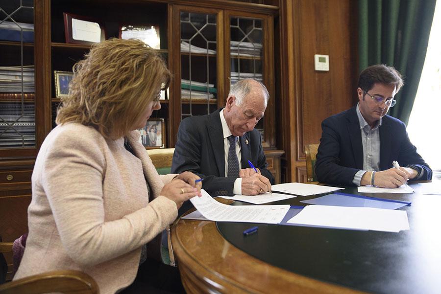 Convenio para la construcción de un nuevo vaso de vertido en la planta de residuos de Gádor (Almería)