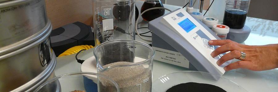 Investigan la reutilización de arenas residuales de fundición en aplicaciones de la construcción
