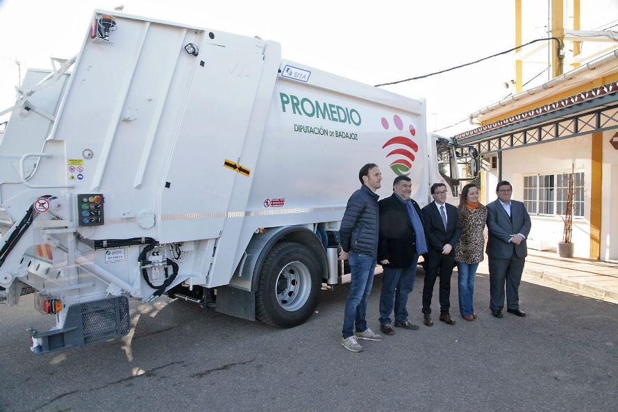Presentación de los nuevos camiones y contenedores de PROMEDIO para la provincia de Badajoz.