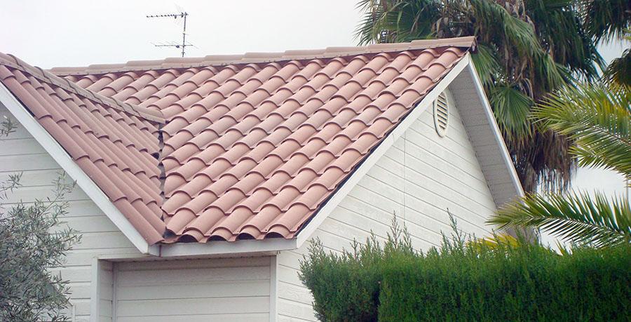 Dos empresas espa olas premio al mejor producto de for Plastico para tejados
