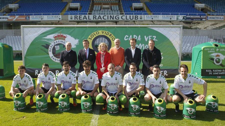 Ecovidrio y el Racing de Santander colaboran para fomentar el reciclaje de vidrio entre los aficionados al fútbol