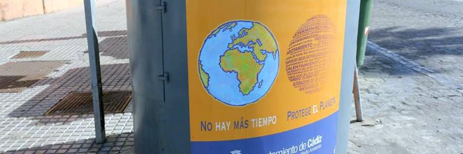 Cádiz renueva sus contenedores de recogida selectiva de aceite usado