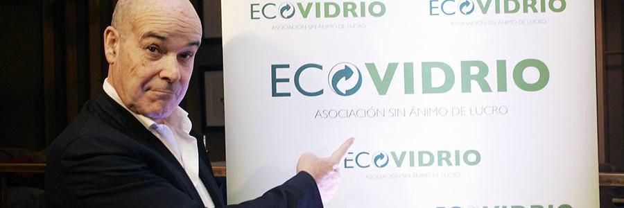 El actor Antonio Resines protagoniza 'Collejeros', para promover el reciclaje de vidrio en la hostelería