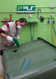 Reparación de un contenedor de plástico