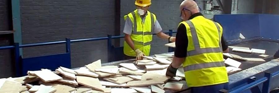 Armstrong lanza un programa de reciclaje de techos único en España