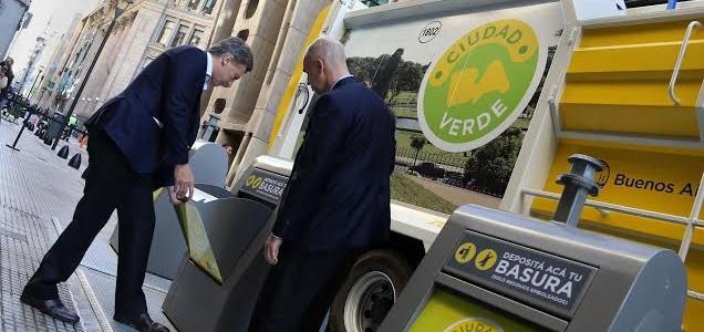 Contenedores soterrados de residuos en el microcentro de Buenos Aires
