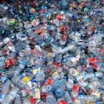 ¿Cuánto contamina una botella de plástico?