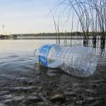 Los residuos plásticos causan daños a los ecosistemas marinos por valor de 9.600 millones de euros