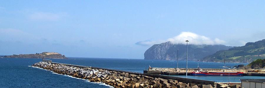 Reutilizan 11.000 toneladas de residuos industriales en la reconstrucción del puerto de Bermeo