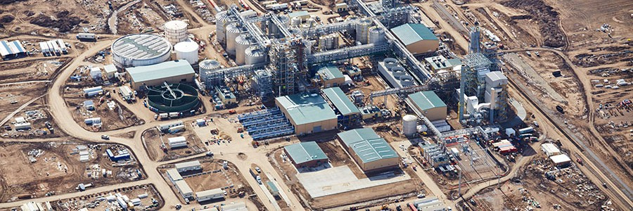 Abengoa inaugura su primera planta comercial de etanol de segunda generación