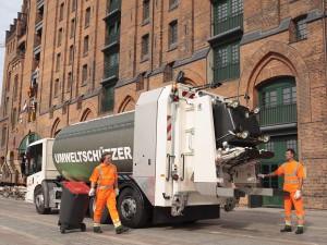 Camión de recogida d eresiduos equipado con Allison en las calles de Hamburgo