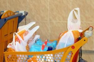 Francia prohibe las bolsas de plástico de un solo uso
