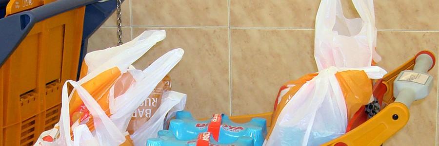 Francia prohibirá las bolsas de un solo uso y las vajillas de plástico desechables