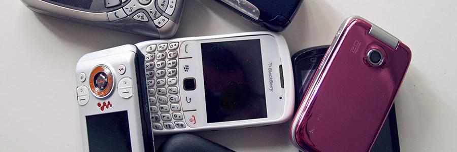Solo uno de cada 20 móviles en desuso se recicla
