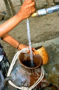 Casi dos mil millones de personas utilizan a diario agua contaminada