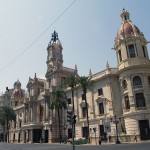 Nuevos contenedores de reciclaje de pilas y aceite doméstico en Valencia