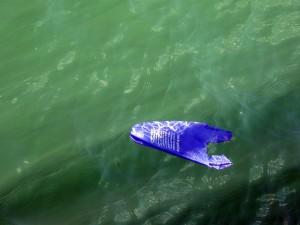 La mayor parte de la basura presente en los océanos procede de tierra