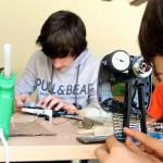 Escolares de Pamplona aprenden a reciclar creando instrumentos musicales