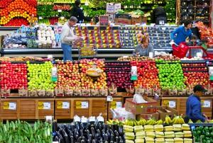 Frente al desperdicio de alimentos, la campaña pretende que se done a organizaciones benéficas la comida sobrante