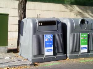 El robo de cartón de contenedores y vía pública supone pérdidas millonarias para las arcas del Ayuntamiento de Madrid