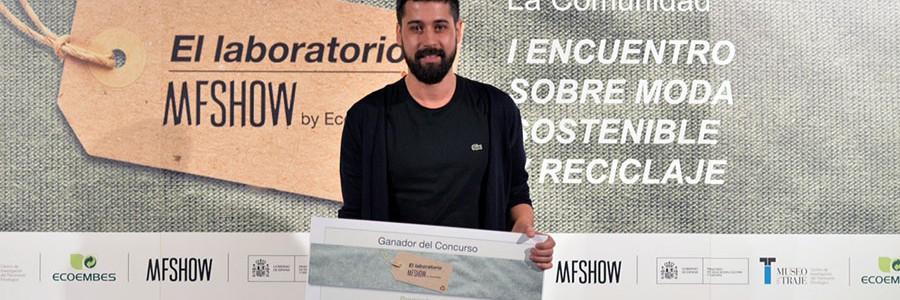 El diseñador Moisés Nieto gana el certamen de El Laboratorio MFSHOW by Ecoembes
