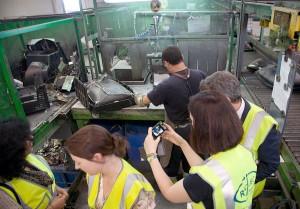 Urgen a poner fin a la gestión ilegal de residuos electrónicos en la UE