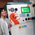 Una máquina instalada en el mercado de Vila-real compensa por reciclar