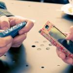 Lanzan una línea de fundas de cartón reciclables para 'smartphones'