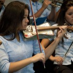 El violinista Ara Malikian y el cantante Antonio Carmona actuarán con la Orquesta de Instrumentos Reciclados de Cateura en Madrid